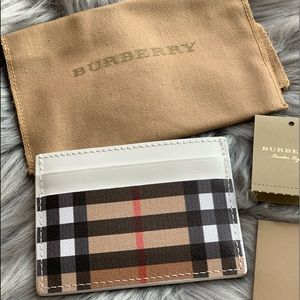 Bags - 💕Authentic Burberry Vintage Check Card Case💕